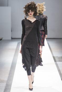 Sfilata Junya Watanabe Paris - Collezioni Autunno Inverno 2013-14 - Vogue