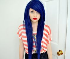 Blue hair. <3 (Google Image Result for http://urbanhairstyle.net/wp-content/uploads/2011/09/tumblr_loso8bzLhm1qi23vmo1_500.jpg)