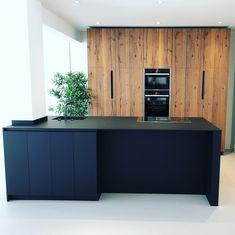 Bolleboom Keuken design - Lilly is Love Farmhouse Kitchen Cabinets, Kitchen Cabinetry, Modern Kitchen Design, Interior Design Kitchen, New Kitchen, Kitchen Backsplash, Kitchen Ideas, Home Kitchens, Bungalow