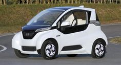 When we first saw the honda micro commuter concept at last year s tokyo motor show we were pleasantly piqued at what the expected production version (. Honda Electric Car, Electric Cars, Electric Vehicle, Electric Power, 2013 Honda, New Honda, Honda Auto, Shizuoka, Hamamatsu