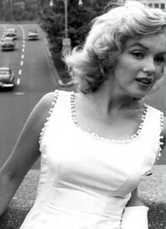 """"""" Marilyn Monroe photographed by Sam Shaw in New York, 1957. """""""