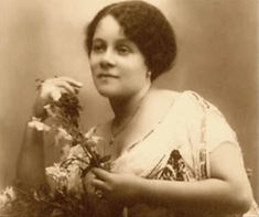 And speaking of wifeys, let us turn back a few centuries. Elizabeth Fernande Auguste Mangonès would later become the mother of Albert Mangonès, Haiti's celebrated architect and sculptor.