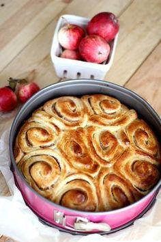 Omenaboston Vegan Cake, Vegan Desserts, Vegan Recipes, Vegan Gains, Vegan Muscle, Vegan Animals, Vegan Protein, Cinnamon Rolls, Baking Recipes