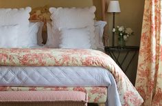 Red and white toile is such a romantic take on the classic blue and white print.