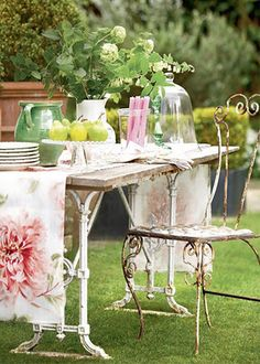 such a cute table and chairs, from a really pretty blog with even more pretty things on it.