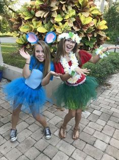 Fun DIY Halloween Costumes for Women – Lilo and Stitch Lilo und Stitch Kostüm Stitch Halloween Costume, Diy Halloween Costumes For Women, Halloween Outfits, Diy Costumes, Lilo Costume, Costume Ideas, Group Halloween, Lilo And Stitch Costume Kids, Stitch Costume Diy