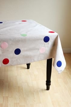 DIY: How to Make a Confetti Picnic Blanket — Hank and Hunt Party Crafts Party Crafts, Diy Crafts, Fabric Garland, Garlands, Diy Confetti, Picnic Birthday, Glow Party, Creative Inspiration, Picnic Blanket