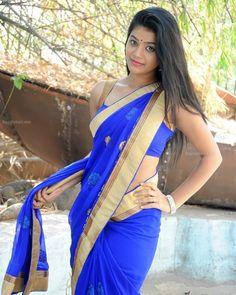 Monica Bellucci Photo, Hand Pose, Heroine Photos, Blue Saree, Indian Beauty Saree, Indian Girls, Beautiful Women, Sari, Asian