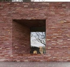Heidelberg Castle Visitor Centre by Max Dudler We love projects that involve castles. Windows are set within two-metre-deep recesses in the stone walls of this castle visitor centre in southwest. Facade Architecture, Contemporary Architecture, Landscape Architecture, Cotswold House, Concrete Building, Brick And Stone, Stone Walls, Stone Houses, Brickwork