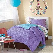 Check out our girl's quilts and comforters! These adorable patterns are sure to be popular with your little princess!