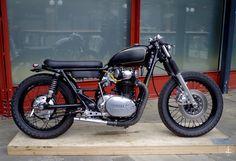 Cafe Racer Pasión — two-gun-salute: Sweet little Yamaha XS650 cafe...