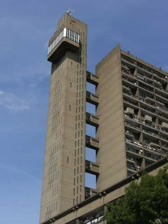 Trellick Tower Building, Modern high-rise in West London - design by Ernő Goldfinger architect - Trellick Tower London photos, SPID Theatre, Tales, highrise Brutalist Design, Brutalist Buildings, High Building, Tower Building, London Architecture, Residential Architecture, Living Room Partition Design, Tower Block