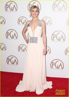 jennifer lawrence stuns on her first red carpet in months 01 Jennifer Lawrence looks absolutely beautiful in her white gown while stepping out on the red carpet at the 2015 Producers Guild of America Awards held at the Hyatt…