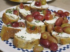 Vegetarian and Cooking!: Roasted Grape, Thyme and Ricotta Crostini