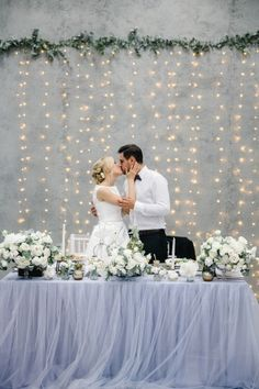Love the linens & back drop!