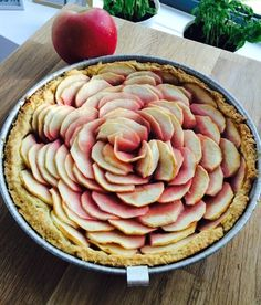 Crostata di mele e marmellata per la festa dei nonni