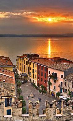 wonderful Lake Garda in Italy lago di garda, italia #lakegarda #italy
