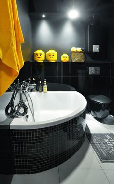Corner Bathtub, House Tours, Vintage, Home, Bathrooms, Interiors, Metal, Funny, Colorful Houses