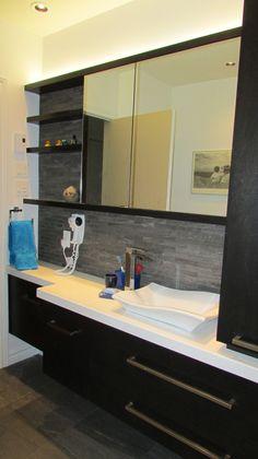 Salle de bain on pinterest armoires tubs and showers - Vanite salle de bain contemporaine ...