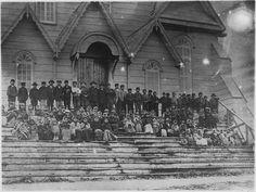 File:Indian children on steps of church in Metlakahtla, B.C. - NARA - 297577.jpg