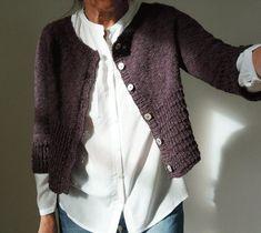 Mariken Knitting pattern by Regina Moessmer Christmas Knitting Patterns, Knit Patterns, Lang Yarns, Dress Gloves, Arm Knitting, Yarn Brands, Cardigan Pattern, Pulls, Look Fashion