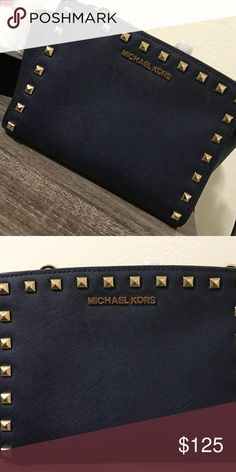 a40a39931d73 Spotted while shopping on Poshmark  Michael Kors purse!  poshmark  fashion   shopping  style  Michael Kors  Handbags