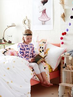 Girls bedroom. Non toxic kids bedding inspired by the magical world of Narnia