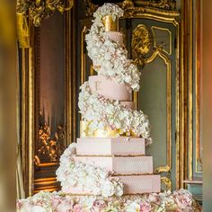 Get inspired , overflowing romance by @gccouture #romanticweddingcake #customizedweddingcake #customweddingcake #artisanweddingcake 10 Tier Wedding Cakes, Extravagant Wedding Cakes, Elegant Wedding Cakes, Beautiful Wedding Cakes, Gorgeous Cakes, Wedding Cake Designs, Royal Wedding Cakes, Large Wedding Cakes, Luxury Cake