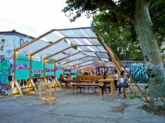 Temporary Architecture, Roof Architecture, Urban Furniture, Street Furniture, Glass Green House, Stand Feria, Urban Ideas, Urban Village, Public Space Design