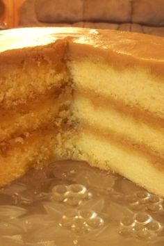 Homemade caramel cake with creamy caramel icing is a labor of love; everyone who tastes it will love you for baking this moist yummy treat. Baking Recipes, Cake Recipes, Dessert Recipes, Healthy Recipes, Köstliche Desserts, Delicious Desserts, Health Desserts, Cupcakes, Cupcake Cakes