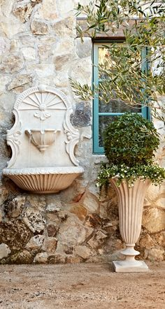Inspired by the carved stone fountains of the Old World, our Valence Wall Fountain beautifully recreates the iconic design on a smaller scale.