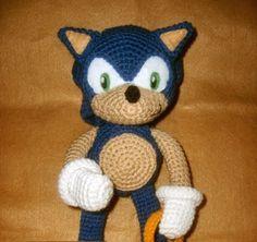Download Sonic The Hedgehog Amigurumi Pattern (FREE)