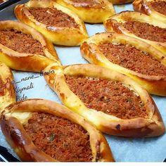 """Instagram'da Yemek Tarifleri: """"@enlezizyemektarifleri • • • • • • Kimler seviyor kıymalı pideyi😋Bu tarifi kaydedin derim,bulunsun kenarda☺️ Via:@_nane_limon . . ..KIYMALI…"""" Grapefruit, French Toast, Pizza, Meals, Vegetables, Cooking, Breakfast, Instagram, Food"""