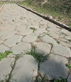 Cassia vetus: da Arezzo a Firenze – tuttatoscana Roads And Streets, Roman Roads, Roots, Medieval, Sidewalk, Europe, Outdoor Decor, Romans, Italia