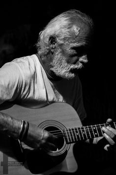 Guitar player in black & white Fine Art Photography, Guitar, Black And White, Lifestyle, Music, Image, Black White, Musica, Art Photography