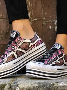 reputable site b3f42 b6784 All Star Converse Custom by Muffin  ilovemuffinshoes  customsneakers