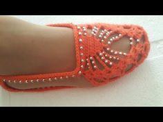 Dekolteli Patik Modeli Sesli Yapılışı - YouTube Crochet Slipper Pattern, Crochet Shoes, Crochet Slippers, Crochet Patterns, Yarn Crafts, Diy And Crafts, Hairstyle Trends, Crochet Videos, Food Design