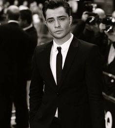 Ed Westwick(Chuck Bass) from Gossip Girl. If you guys didn't know, he's actually british❤️❤️ Gossip Girls, Mode Gossip Girl, Chuck From Gossip Girl, Beautiful Celebrities, Beautiful Men, Beautiful People, Celebrity Photos, Celebrity Crush, Pinup