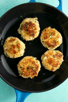 crab cakes from Delish. We also carry hand made crab cakes by Mattammuskeet of Swans Quarter N. for a even quicker dinner. They are a family owned business for over 35 years. Crab Cake Recipes, Fish Recipes, Seafood Recipes, Cooking Recipes, Seafood Dishes, Appetizer Recipes, Crab Dishes, Seafood Stew, Ww Recipes