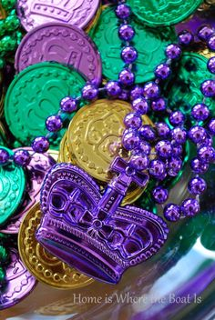 A Pre-Mardi Gras Celebration - Food: Veggie tables Mardi Gras Activities, Seasonal Image, Holiday Costumes, 17th Birthday, Healthy Eating Tips, Healthy Nutrition, Vegetable Drinks, How To Cook Pasta, Holidays And Events