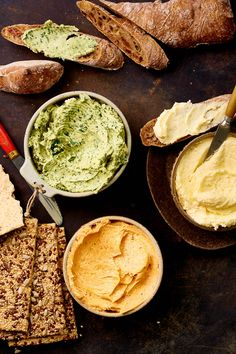 Zelf kruidenboter maken – paar variaties Kitchen Queen, Snacks Für Party, Hummus, Barbecue, Baking Recipes, Nom Nom, Dips, Spices, Menu