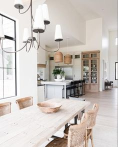 Affordable Kitchen Dining Room Design Ideas For Eating With Family 01 Home Decor Kitchen, Interior Design Kitchen, Kitchen Dining, Room Kitchen, Kitchen Ideas, Kitchen Cabinets, Simple Interior, Open Kitchen, White Cabinets