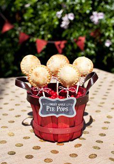 Apple Pie Pops & Sparkling Harvest Punch {Low Sugar!} I'm sooooo doing it! I love these cute tradicional yummers ideas!