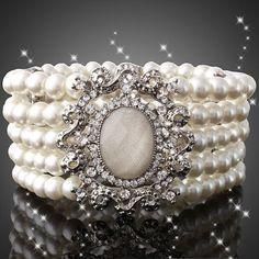 Shipped from USA- Beautiful Pearl Bracelet with Brooch, Wedding Bracelet, Cuff Bracelet Pearl Jewelry, Jewelry Bracelets, Jewelry Box, Vintage Jewelry, Jewelry Accessories, Jewelry Design, Jewelry Making, Jewellery, Pearl Bracelets