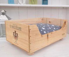 Wine box cat bed  Chateau D'Aiguilhe wine by BaxterandSnowwinebox