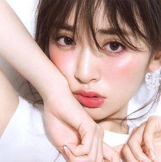 American Apparel feature in Rika Magazine for June 2016 Glossy Makeup, Sexy Makeup, Asian Makeup, Korean Makeup, Girls Makeup, Pretty Makeup, Beauty Makeup, Makeup Looks, Hair Makeup
