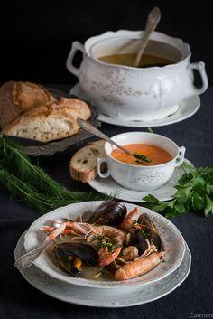La sopa bullabesa es un plato de pescado y marisco muy sabroso y perfecto para fiestas y celebraciones especiales.