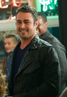 At Molly's for Katie's party Taylor Kinney Chicago Fire, Oscar 2017, Chicago Med, Ex Husbands, Best Tv Shows, Beautiful Men, Tv Series, Hot Guys, Handsome