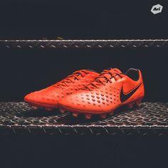 "⚽️☄ ""Nike Radiation Flare Pack"" • Magista Opus II FG - 7,900 บาท (Size 6us-12us) เป็นเจ้าของกันได้แล้วที่อาริฟุตบอลทุกสาขา ------------------------------------------ สอบถามรายละเอียดเพิ่มเติมหรือสั่งสินค้าได้ที่ สยาม 02-250-6969, 098-2844709 บางกะปิ 02-363-3444 ขอนแก่น 043-001-527 อุดร 042-110-703 ปิ่นเกล้า 02-884-8069 ฟิวเจอร์พาร์ครังสิต 02-150-9149 เดอะคริสตัล 02-040-6719 นครราชสีมา 044-390-565 #fashion #style #stylish #love #me #cute #photooftheday #nails #hair #beauty #beautiful #design…"