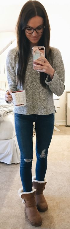 Grey Knit / Ripped Skinny Jeans / Brown Boots